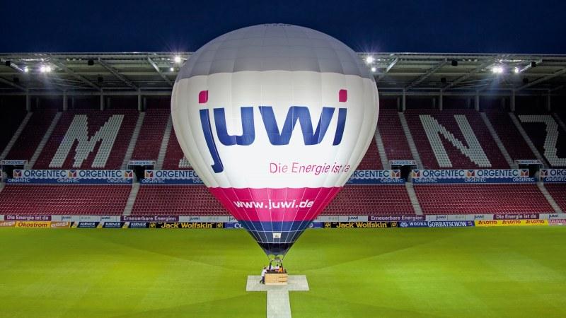 Juwi Heißluftballon im Mainzer Stadion