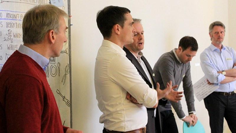 Launchlabs Innovationsworkshop Momentaufnahme von Gruppenarbeit der Teilnehmer