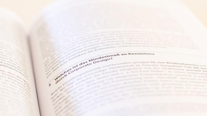 """Artikelüberschrift `""""Was ist das Mindestmaß an Konsistenz durch Corporate Design"""""""